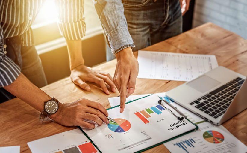 Calcular la desviación de ventas con Excel