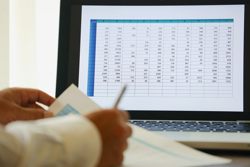 como hacer analisis de datos con buscar objetivo en Excel
